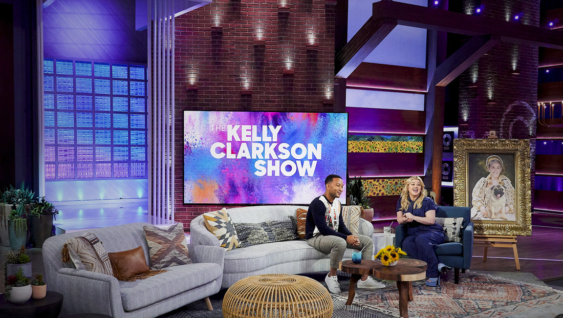How Kelly Clarkson's new set pays homage to her Texas roots, country music career