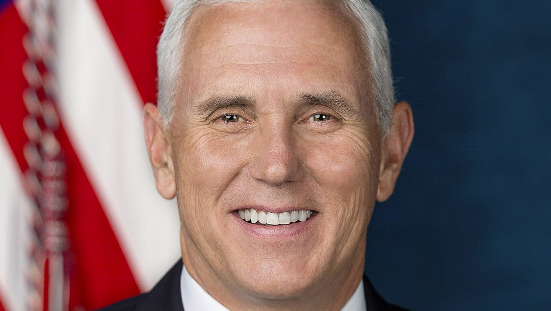 Reporter who tweeted about face mask fiasco says he was banned from future Pence trips